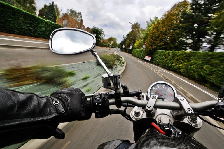 Как правильно останавливаться на мотоцикле