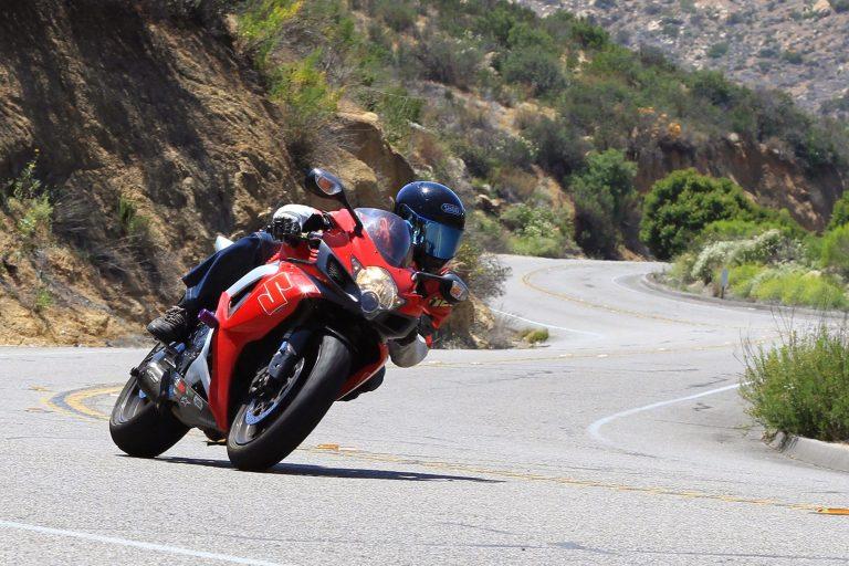 Как научиться правильно ездить на мотоцикле
