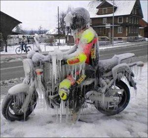 безопасное вождение мотоцикла зимой