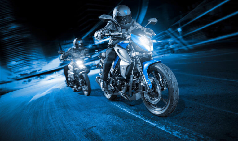 обгон на мотоцикле