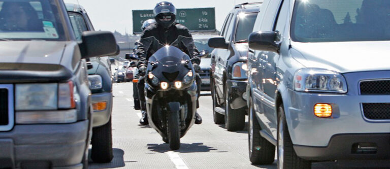 городская езда на мотоцикле
