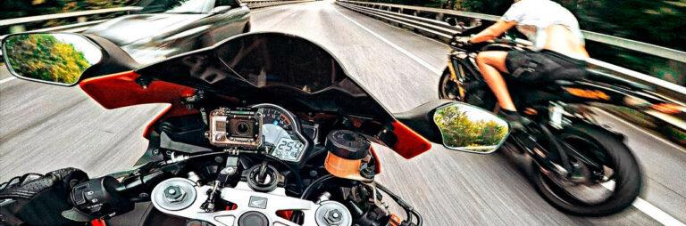 управление спортивным мотоциклом
