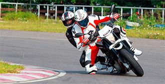 как вести себя пассажиру мотоцикла
