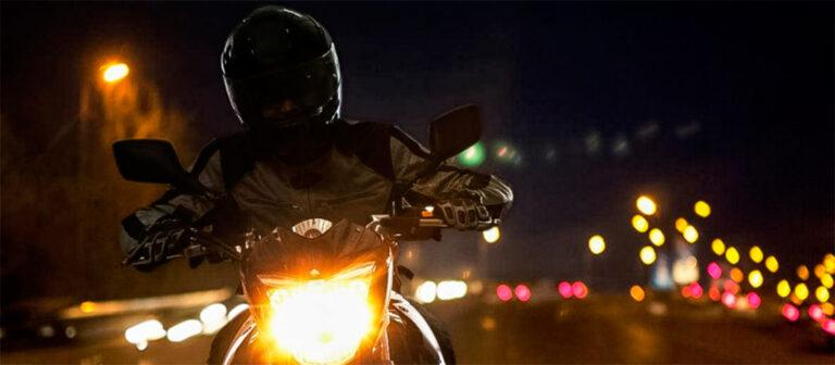 езда на мотоцикле ночью